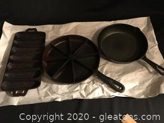 Cast iron skillet and cornbread