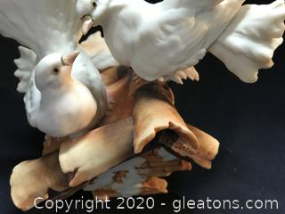 Capodimonte Two doves on roof signed