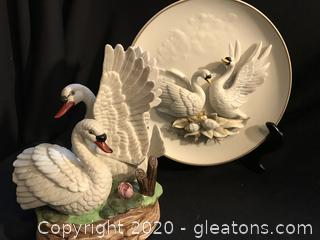Swans 3D plate and swan figurine