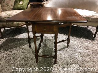 Vintage Hammary Drop Leaf Occasional Table with Drawer