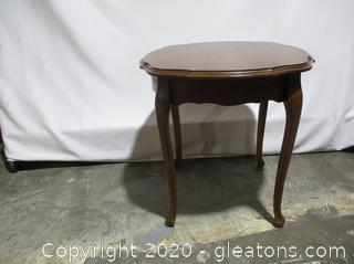 Round French Provincial Wood End Table (b)