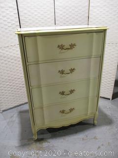 Bassett Furniture Sonte Series Chest of Drawers