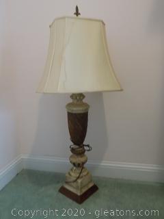 Urn/Pedestal Style Lamp