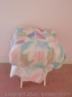 Vintage Full Size/Queen Size Comforter