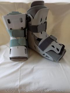 2 Aircast Medical Boots