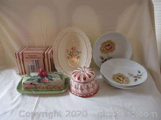 Porcelain and China Lot (8 Items)