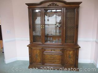 White Fine Furniture China Cabinet