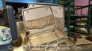 OLD HARD BACK SUIT CASES