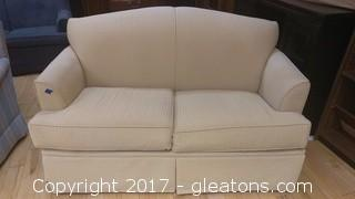 CREAM SLEEPER LOVESEAT