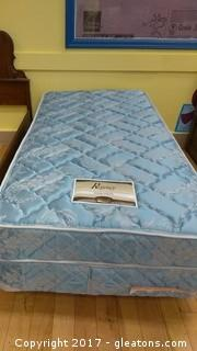 TWIN FRAME WITH MATTRESS AND BOW SPRING REGENCY EXQUISITE MATTRESS