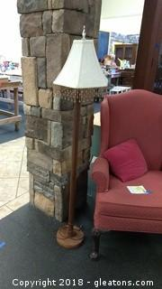 TALL WOOD LAMP WITH SHADE