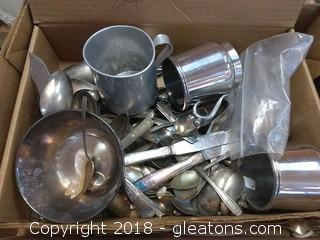SILVERPLATED  AND SILVERWARE LOT