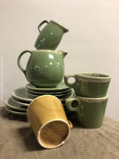 Hull Pottery, 13 Pieces