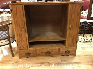 Vintage TV Chest - Great for Re-purposing