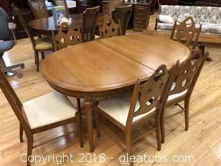Vintage Oak Dining Room Table & Chairs - Has Leaf