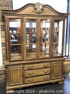 Beautiful Lexington Buffet / China Cabinet Mirrored Back - EXCELLENT CONDITION