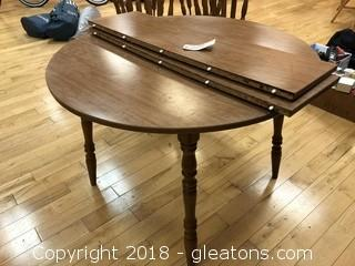Round Dining Table with Two Leafs Vaneer