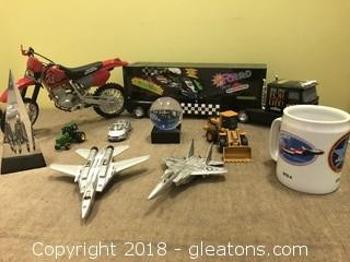 Model Toys and Other Lot