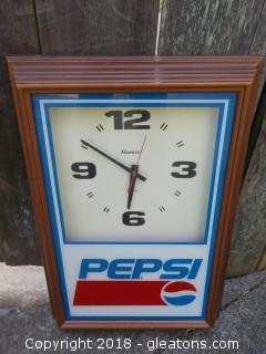 Pepsi Hanover Working Battery Operated Advertising Clock