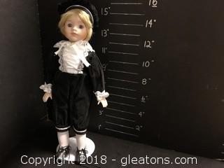 """16"""" Regal Doll"""