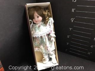 """Dynasty Doll """"Cally"""""""