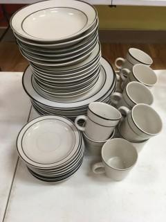 45 Piece Set Of Dinnerware
