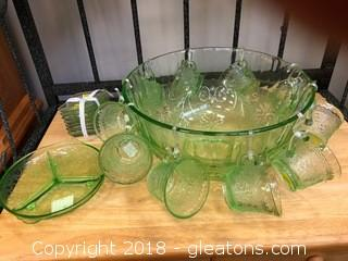 Tiara Chantilly Punchbowl with 10 cups and hangers