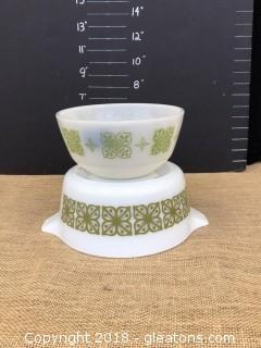 2 piece Pyrex Mixing Bowl and Casserole Dish