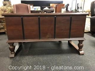 Cedar Chest on Legs, Brown