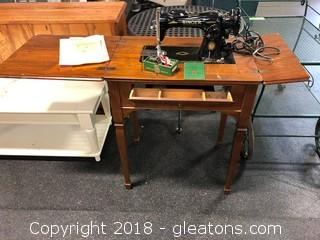 Singer 19-51 Sewing Machine And Cabinet