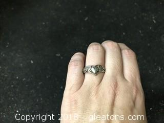 Ladies Silver Ring 3.64g Size 8