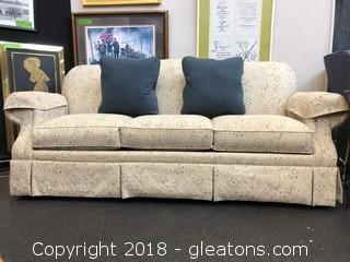 Like New La Z Boy Sofa, Incredible Condition