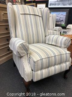 Like New (B) La Z Boy Recliner High Back - Excellent Condition