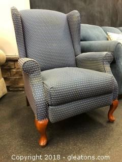 La Z Boy (C) Recliner High Back - Excellent Condition