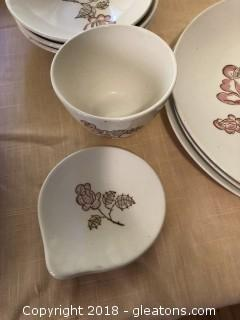 Lot of cute 1950's dishes