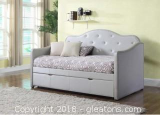 Brand New Day Bed Modern & Tufted - Comes with Warranty
