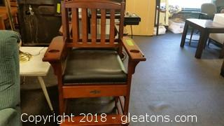 American Heritage Billard Chair- Drawer On Front- Area For Drinks (A)