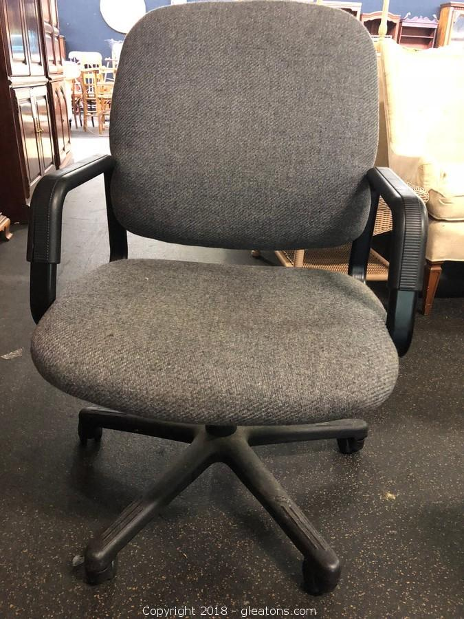 Gleaton S The Marketplace Auction Furniture And