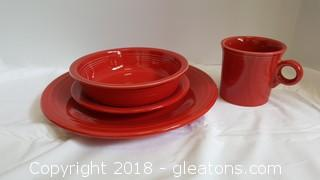 """(4) Piece Set Place Setting """"Fiesta Scarlet"""" New In Box"""