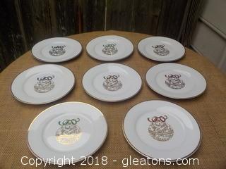 Pier 1 Chistmas Ornament Plates