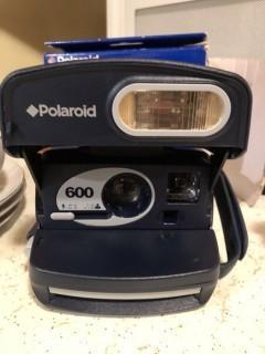 Polaroid 600 express instant film camera Like new
