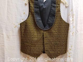 Embroidered Vest UTY International Size M