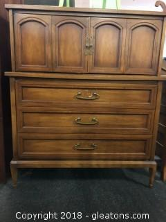White Fine Furniture Dresser