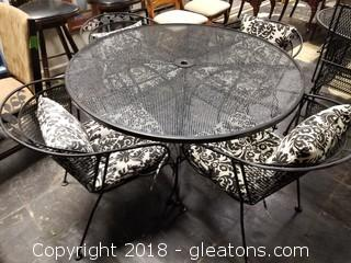 Outdoor Black Iron Mesh Table W/4 Chairs And Cushions