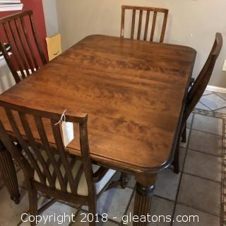 Thomasville Solid Maple Kitchen Table and 4 chairs