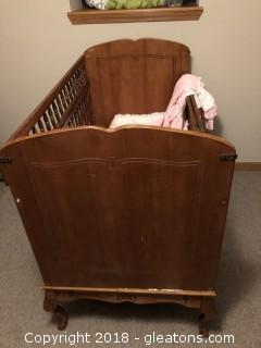Vintage Baby Bed / Crib with Queen leds and hendged sides