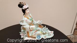 Vintage Hand Painted Chinese Porcelain Figurine