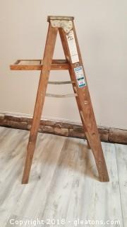 5ft Werner Model W375S Wooden Step Ladder
