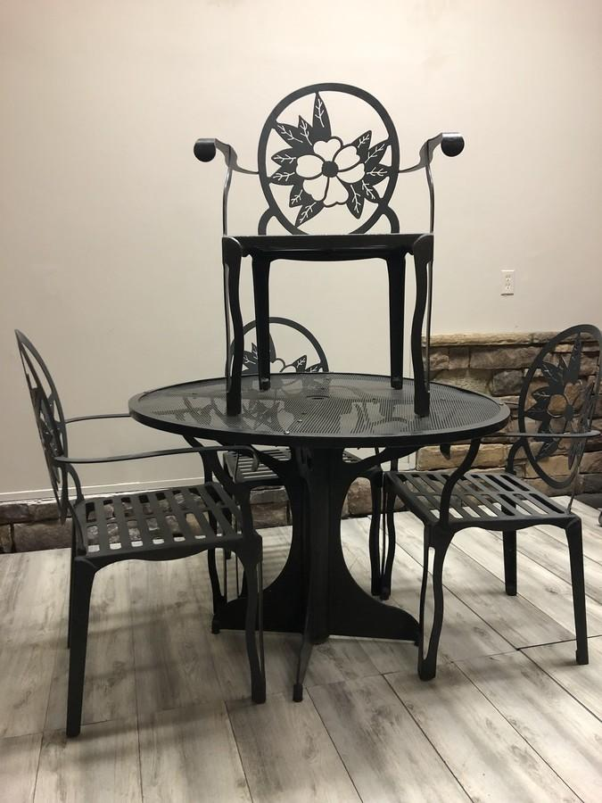 Gleaton S The Marketplace Auction Upscale Accent Chairs Patio