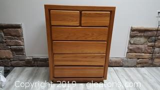 (6) Drawer Chest Of Drawers Solid Wood